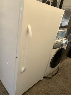 Frigidaire upright freezer for Sale in Long Beach, CA