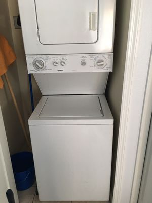 Kenmore electric Washer dryer combo for Sale in Belle Isle, FL
