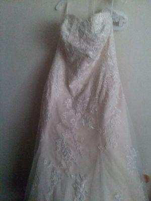Wedding Dress Size 16 for Sale in Peoria, IL