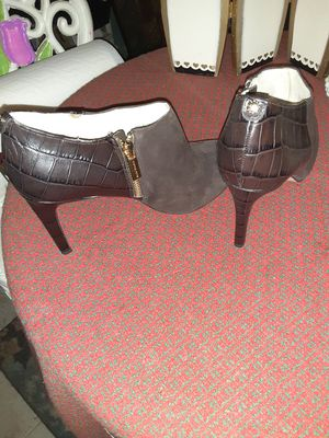 Michael Kors Sz. 9 Ladies Boot Dress Shoes for Sale in Oklahoma City, OK