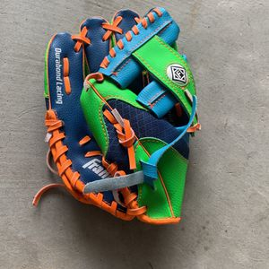 Kids left handed baseball glove for Sale in San Diego, CA