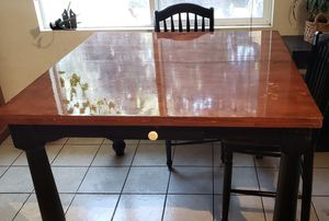 Large wooden expandable kitchen table. for Sale in Irwindale, CA