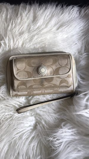 Coach wristlet for Sale in Sanger, CA
