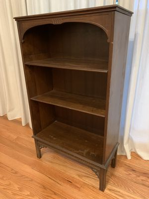 Small bookcase for Sale in Reynoldsburg, OH