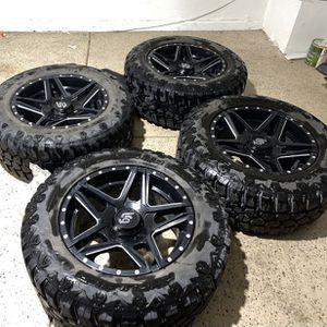 Jeep gladiator/jeep wrangler Jl /jk 5 lug unviersal LRG 20in wheels on 35's for Sale in Las Vegas, NV