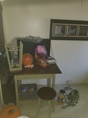 Small kitchen table for Sale in Fresno, CA
