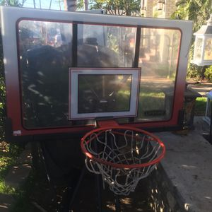 Basketball Lifetime Hoop Good Condition for Sale in Bell Gardens, CA