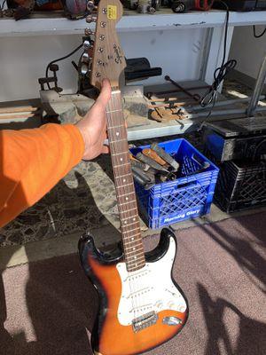 Fender squier for Sale in Cuba, MO