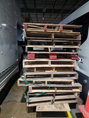 FREE PALLETS for Sale in Washington, DC