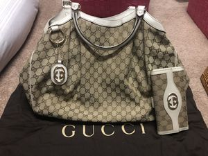 Authentic Gucci Large Purse and Wallet for Sale in Valrico, FL
