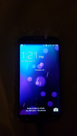 Samsung s4 need glass on the top phone working unlock any company for Sale in Orlando, FL
