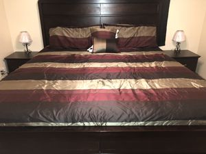 King bed set *with dresser for Sale in Columbus, GA