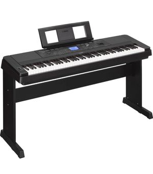 PIANO YAMAHA DGX-660 for Sale in Boston, MA