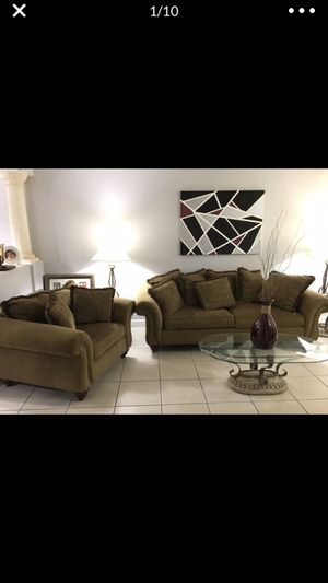 Living Room Set with tables and lights for Sale in Miami, FL