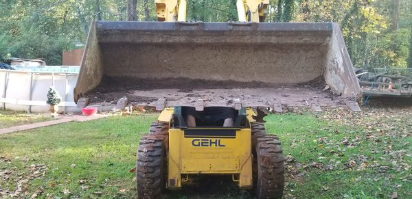 2006 Gehl 5640 loader with extras