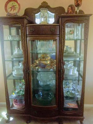 Antique Bear Claw China Hutch/Curio for Sale in Chino, CA
