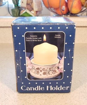 NEW Gold/White Ceramic Candle Holder w/Candle for Sale in North Las Vegas, NV