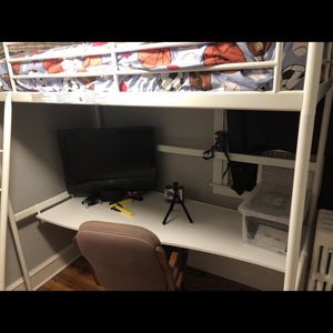Bunker Bed Whit A Desk Under for Sale in Philadelphia, PA