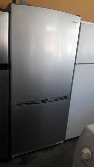 Samsung bottom freezer refrigerator stainless steel for Sale in Manassas, VA