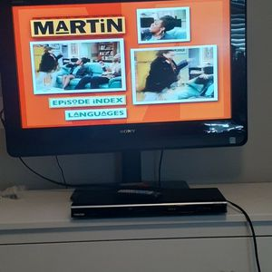 DVD PLAYER WITH REMOTE for Sale in Atlanta, GA