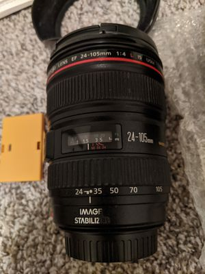 Canon EF24-105 1:4 IS USM, nearly new condition for Sale in Clarksville, TN