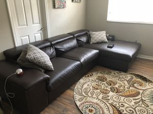 Leather couch good condition for Sale in Tampa, FL