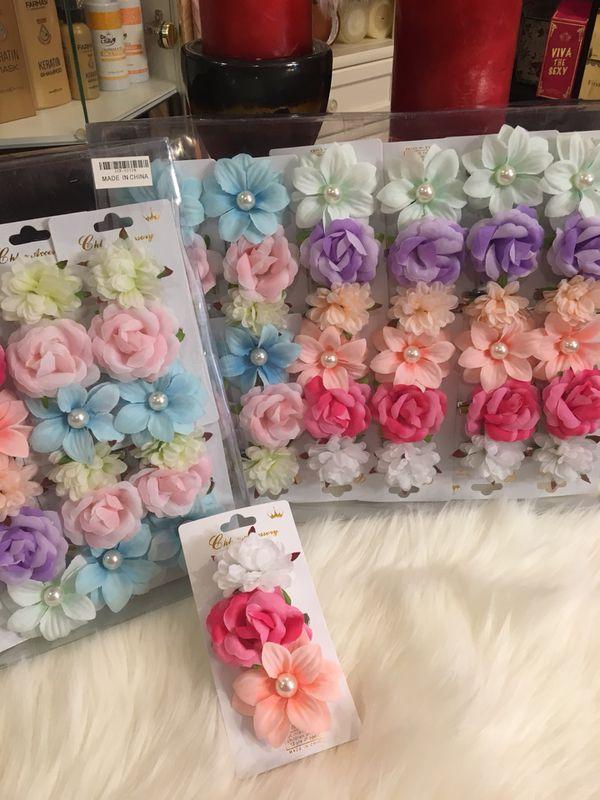Accesorios de cabello para niñas, hermosos multicolores vendemos por cajas y cada caja trae una docena.
