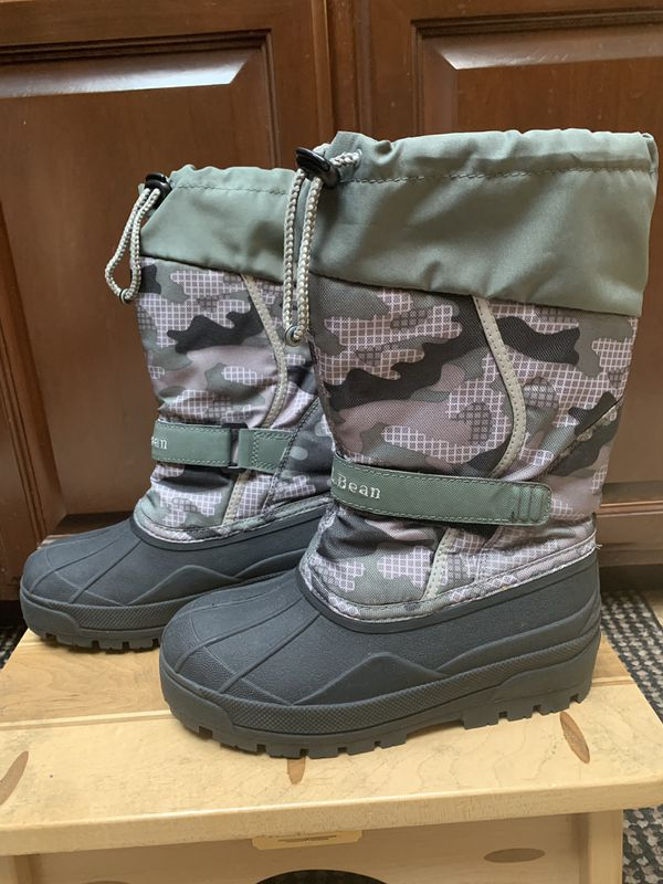 L.L.Bean Kids youth size 4 Northwoods Camo Winter Boots