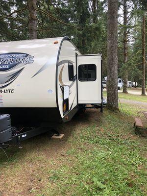 RV Camper Trailer Salem Hemisphere Hyper- Lite 29 BH 2016 for Sale in Federal Way, WA
