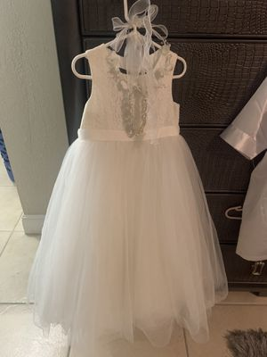 Flower Girl Dress with head accessories and Flower Girl Robe for Sale in Homestead, FL