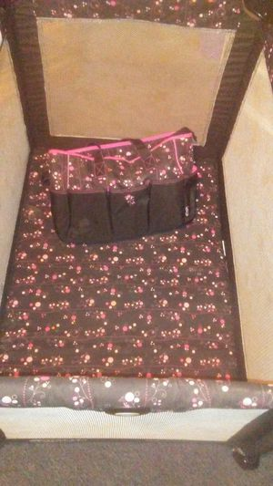 Priscilla. Graco pack n play, swing & Diaper bag for Sale in Thonotosassa, FL