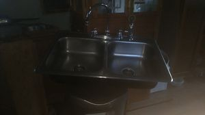 Kitchen sink with peerless faucets for Sale in Hermon, ME