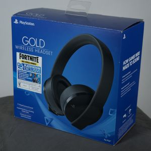 PS4 Gold Headset for Sale in Naperville, IL
