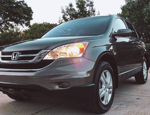 SELLINF A SUNPROOF HONDA CRV 2010 WITH REVERS CAMERA for Sale in Baltimore, MD
