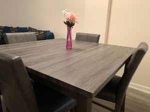 Gray Oak Table (Price is Negotiable!) for Sale in Bay Harbor Islands, FL