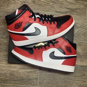 Jordan 1 Mid Chicago Black Toe for Sale in San Bernardino, CA