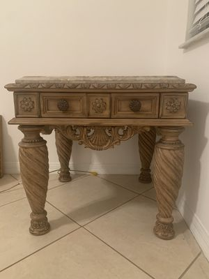 End living room table made of wood and marble top for Sale in Winter Garden, FL