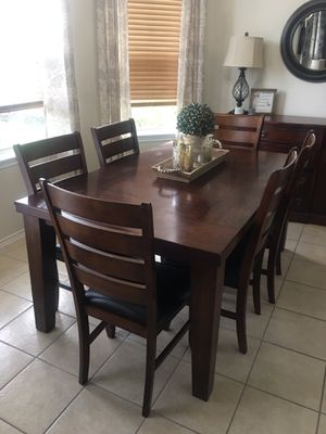 Table & Chairs Set for Sale in Tomball, TX