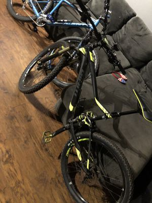 2x 2019 Large frame Giant Mountain Bikes for Sale in Grand Terrace, CA
