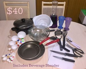 Lot of Kitchen Items w/ Beverage Blender $25 for Sale in Powell, OH