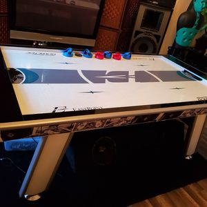 Air Hockey Table for Sale in San Jacinto, CA