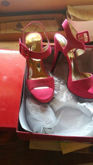 Guess heals size 7 NEW for Sale in Wenatchee, WA