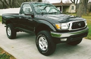 HALO HEADLIGHT 2001 TOYOTA TACOMA for Sale in Columbus, OH