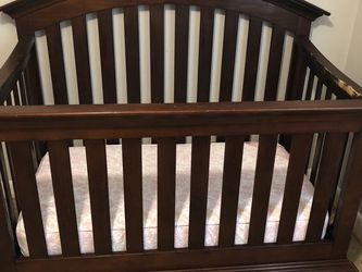 Adjustable Baby Crib for Sale in Rustburg,  VA