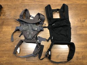 2 Baby Carriers ( both $10) for Sale in Byron, CA