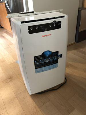 Air Conditioner/Dehumidifier/Fan unit for Sale in Portland, OR