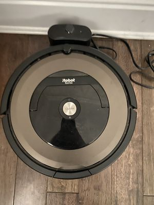 Irobot vacuum for Sale in Port Washington, NY