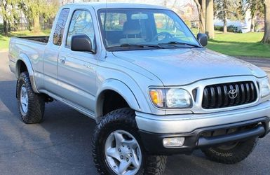 🔑🔥Price$10OO Toyota Tacoma 4WD🔑🔥 for Sale in Chicago,  IL