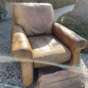 Full Grain Leather Large Recliner for Sale in Los Angeles, CA