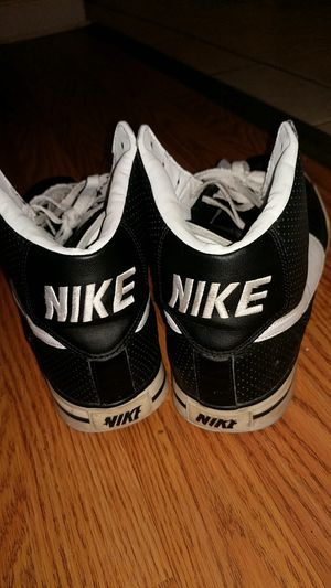 Vintage 2009 Nike Black leather Hi Tops. for Sale in Waverly, OH